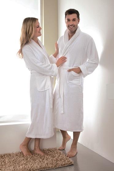 Bademäntel sind Teil hochwertiger Hotelwäsche